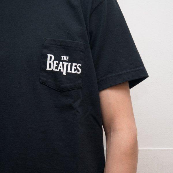 """画像2: BEATLES """"THE BEATLES"""" 7.1oz米綿丸胴オールドプリントクルーネックポケットT / Audience"""