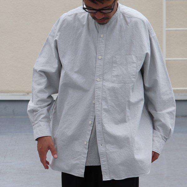 画像2: 播州織オックスフォードシャンブレー バンドカラー 長袖 ボクシーAラインシャツ【MADE IN JAPAN】『日本製』/ Upscape Audience