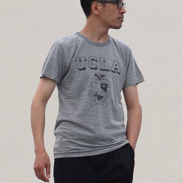 """画像2: 【RE PRICE / 価格改定】 UCLA""""UCLA""""エンブレム三素材混カレッジプリント半袖クルーネックTシャツ / Audience"""